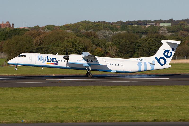 G-JECY. De Havilland Canada DHC-8-402Q Dash 8. FlyBe. Prestwick. 011007.