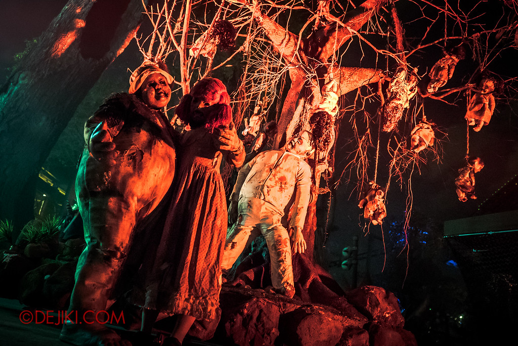 Halloween Horror Nights 6 Final Weekend - Suicide Forest / Dolls at tree