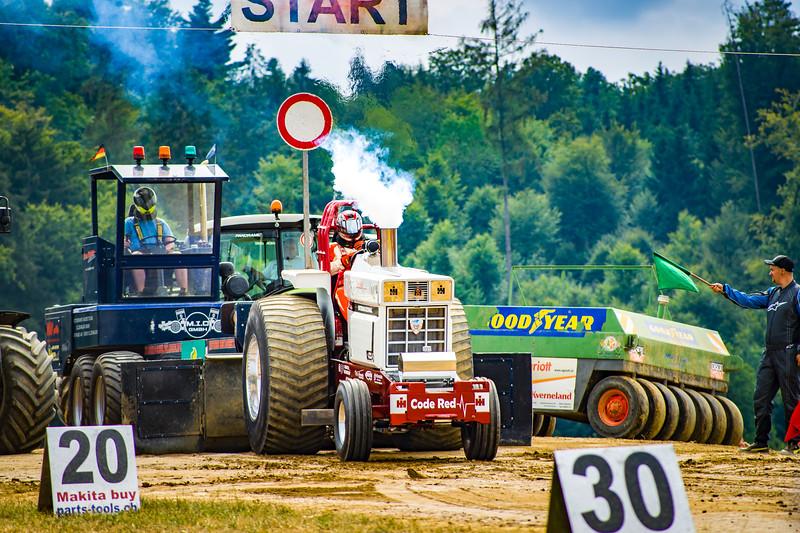 Tractor Pulling 2015-02444.jpg