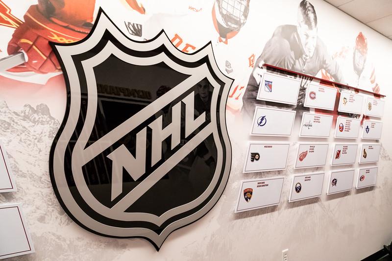 20181103-DU-Hockey-RibbonCutting-116.jpg
