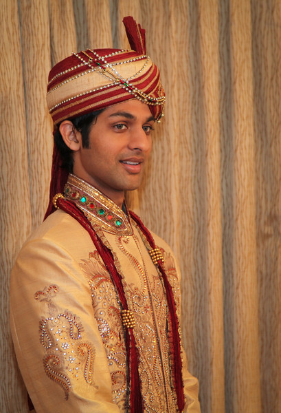 The groom fully decked out.