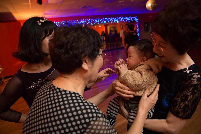 Moms Dance Class 2015-2093.jpg