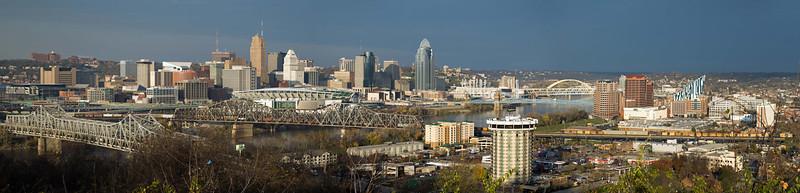 Panorama of Cincinnati from Devou Park, Northern Kentucky