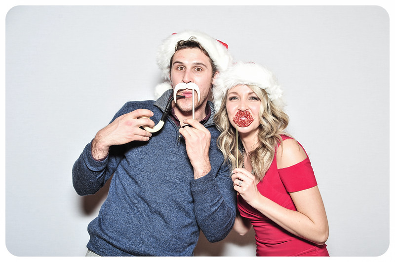 WDTN-TV-Holiday-Photobooth-38.jpg
