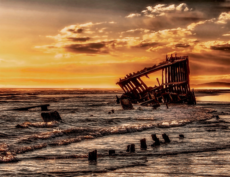 Wreck of the Peter Iredale.jpg