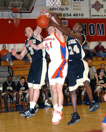 Marshall County Boys Varsity Basketball vs. Pine Ridge FL for 3rd place December 30, 2005.  Marshals win 55-36.
