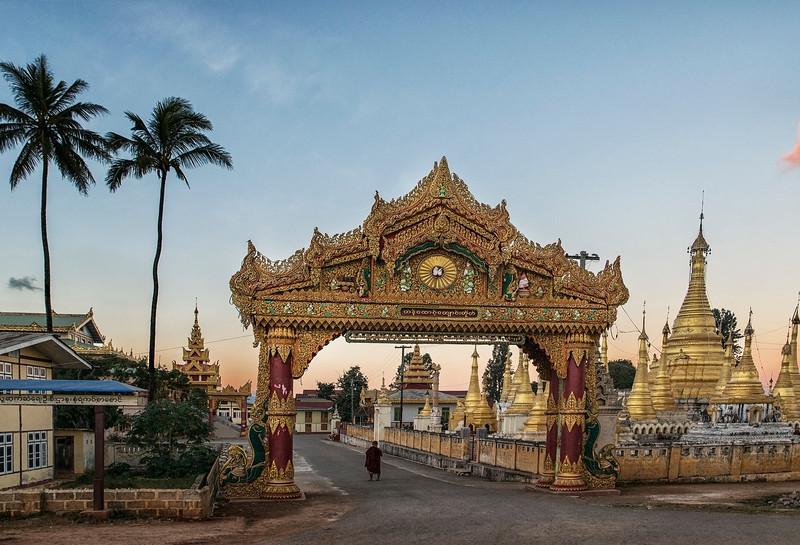 Kan Tau monastery, Pindaya, Myanmar, 2017