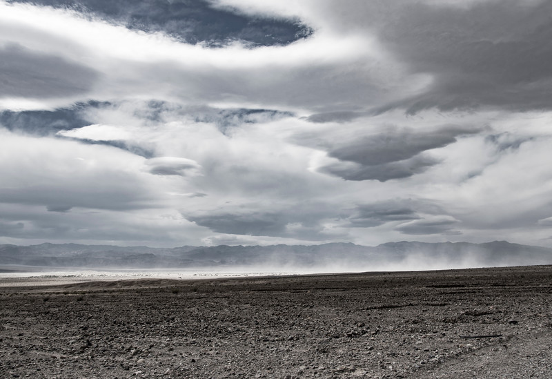Death-Valley-Sandstorm-dunesarea-April2017.jpg