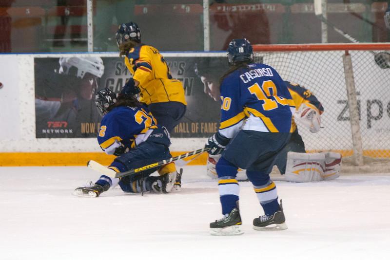 20130310 QWHockeyvsUBC 490.jpg