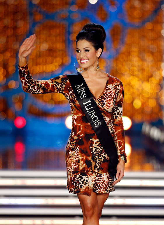 . Miss Illinois Megan Ervin competes in the Miss America pageant on Saturday, Jan. 12, 2013, in Las Vegas. (AP Photo/Isaac Brekken)