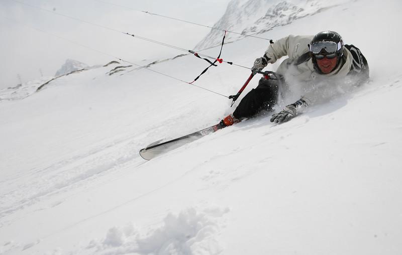 Snowkite...jpg