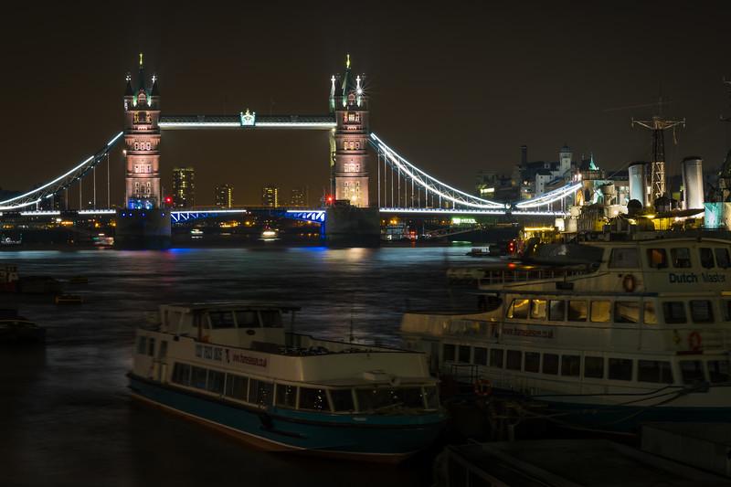 PCM-tower-bridge-night-background.jpg