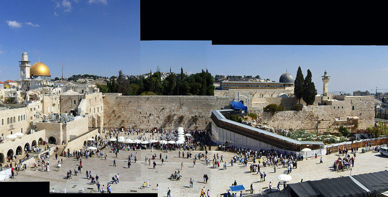 25-A Panorama of 3 photos, adding Al Aqsa Mosque on the south (the dome on horizon, right).