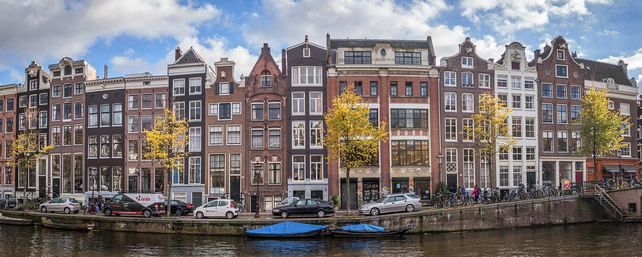 Living among the canals of Amsterdam
