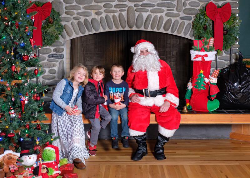CB Santa 2019-7731.jpg