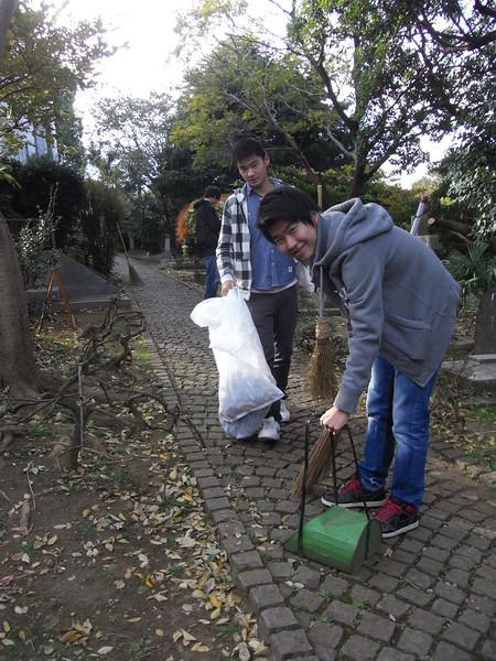 Cemetery Clean-up 11282013_11099829496_l.jpg
