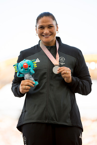 Dame Valerie Adams is presented with her Silver Medal for the Shot Put at the 2018 Commonwealth Games. Gold Coast, Australia. Copyright photo: Alisha Lovrich / www.photosport.nz