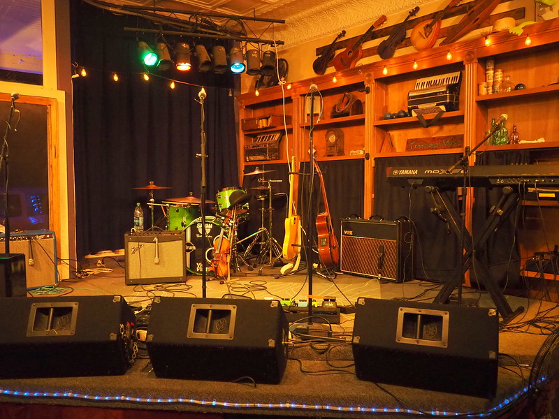 Purple Fiddle stage.JPG