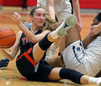 Wheaton Warrenville South Girls Basketball vs. Lake Park
