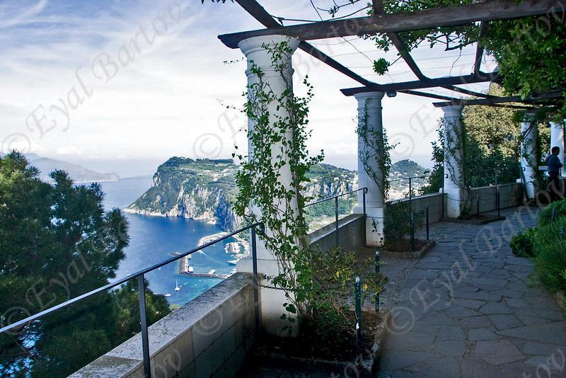 EB4162 Capri.jpg
