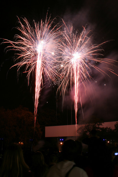 2007_1102putneyfireworks107_edited-1.JPG