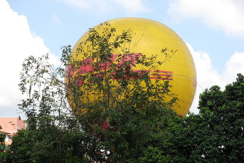 DHL Balloon.jpg