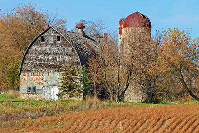 Barn along the St. Croix Trail, MN