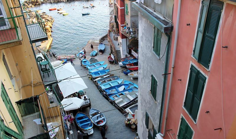 Italy-Cinque-Terre-Riomaggiore-04.JPG