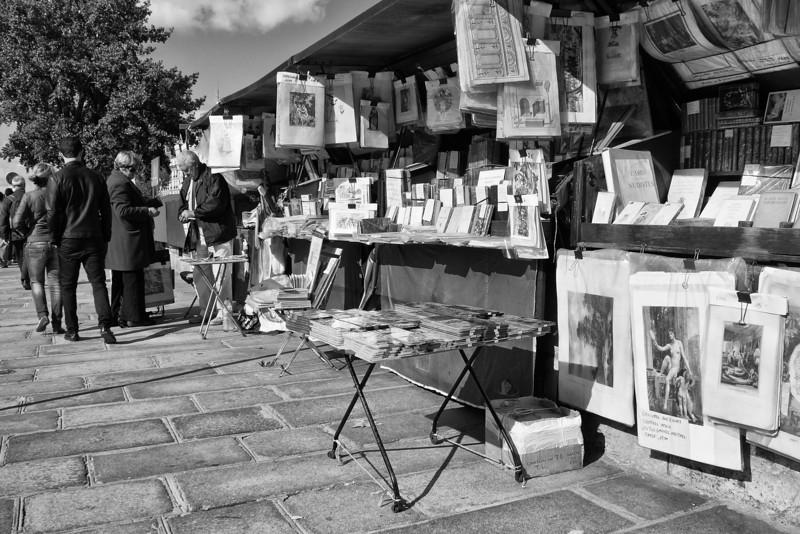 Market along Seine Riv 01558.jpg
