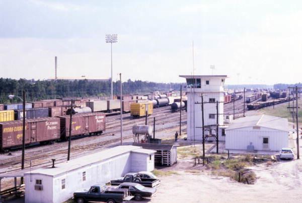 Baldwin railyard 1979 James L Gaines.jpg