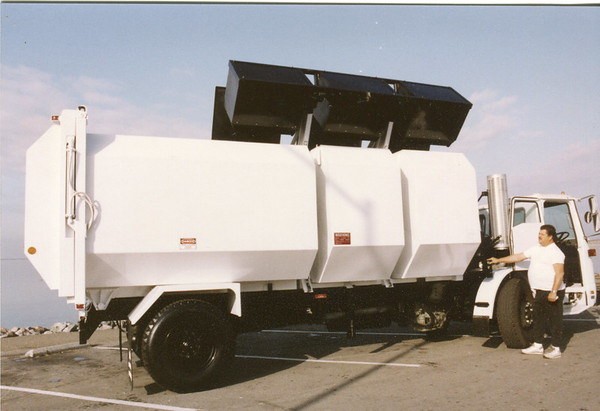 Multi Compartment Recycling Truck