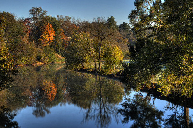 Autumn - Conestoga River in the early morning(p).jpg