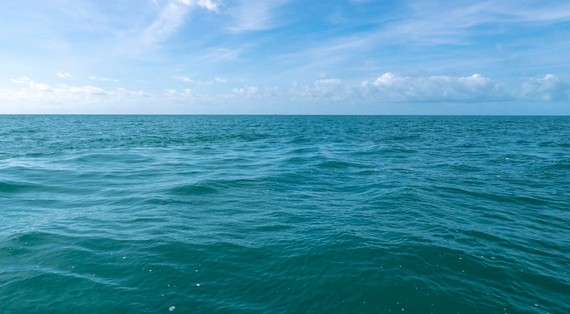 Florida-Keys-Islamorada-Robbies-Marina-Sundance-Waterspots-Parasailing-02.jpg