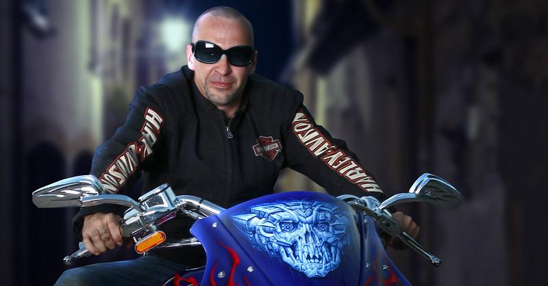 biker-blue-3.jpg