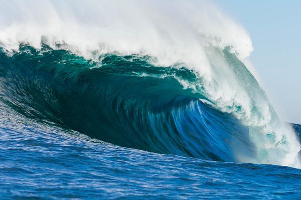 Waves and Empty Lineups