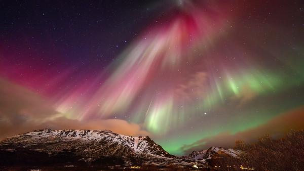 Aurora over Lofoten, March 2016