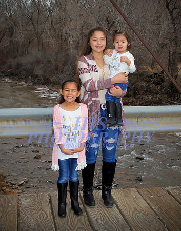 Montes Family Protraits