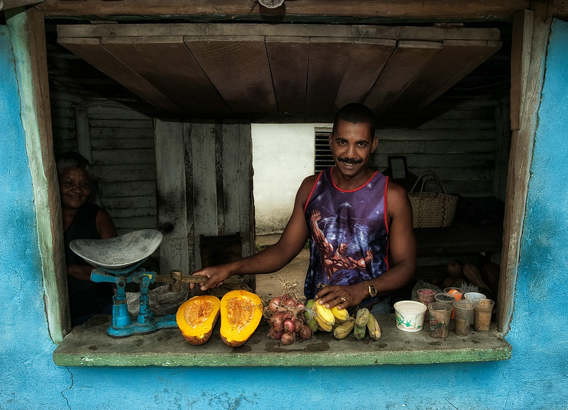 fruit vendor.jpg