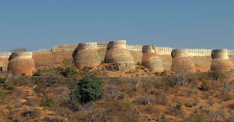 The fort's wall, at over 23 miles long, is the second largest wall in the world after the Great Wall of China. - Kumbhalgarh Fort - Rajasthan