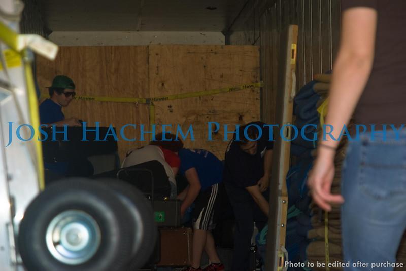 12.29.2008 Unloading the Truck (23).jpg