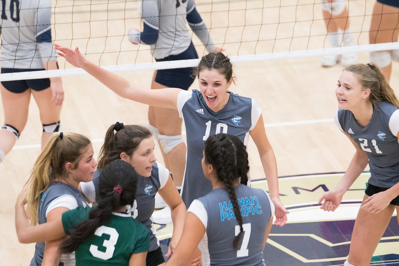 HPU Volleyball-92772.jpg