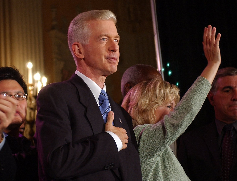. 10-7-03-- LOS ANGELES  Gray Davis touches his heart and says goodbye to California as Governor at the Biltmore Hotel in Los Angeles on election night.  Charlotte Schmid-Maybach/Los Angeles Daily News