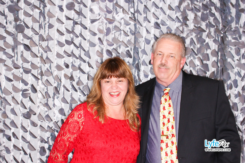 red-hawk-2017-holiday-party-beltsville-maryland-sheraton-photo-booth-0096.jpg