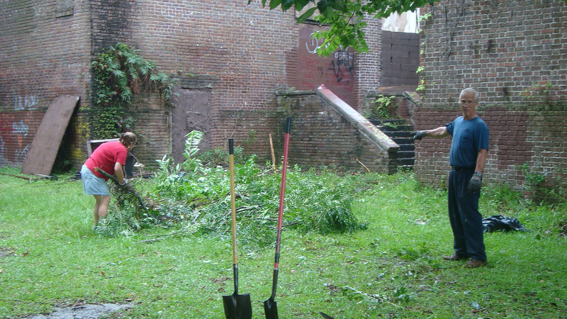 Annie Lytle 2012 Cleanup Effort and Volunteers 003.jpg