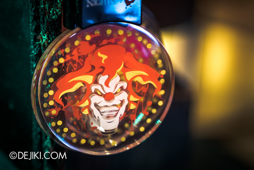 Universal Studios Singapore - Halloween Horror Nights 6 Before Dark Day Photo Report 4 - HHN6 Jack the Clown merchandise corner / flashy light-up necklace