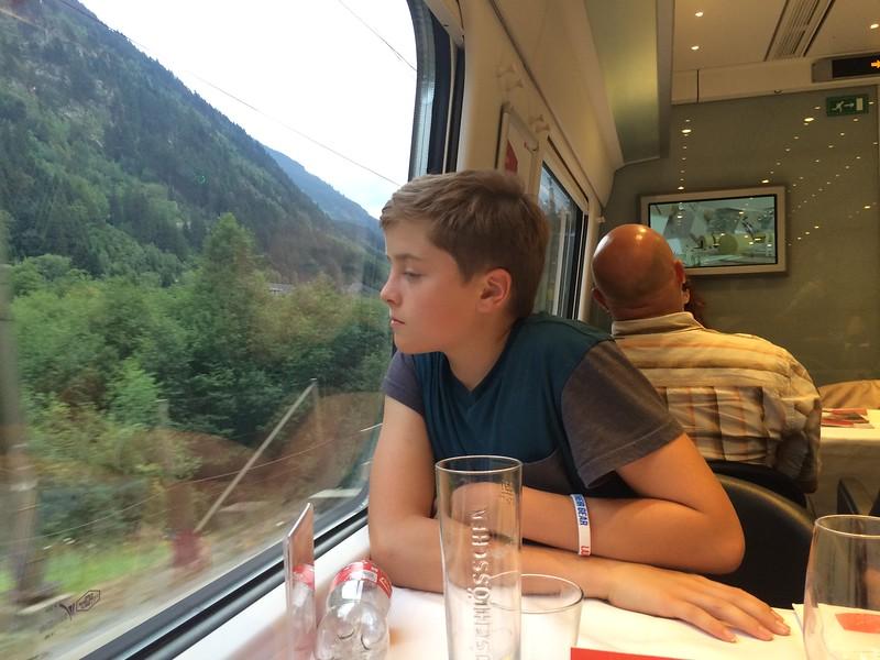 347_iPhone_Switzerland.JPG
