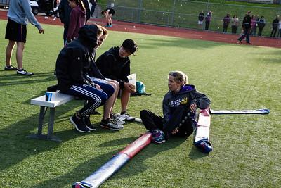 010 - 2017 04 20 - Pole Vault - Inglemoor vs Issy