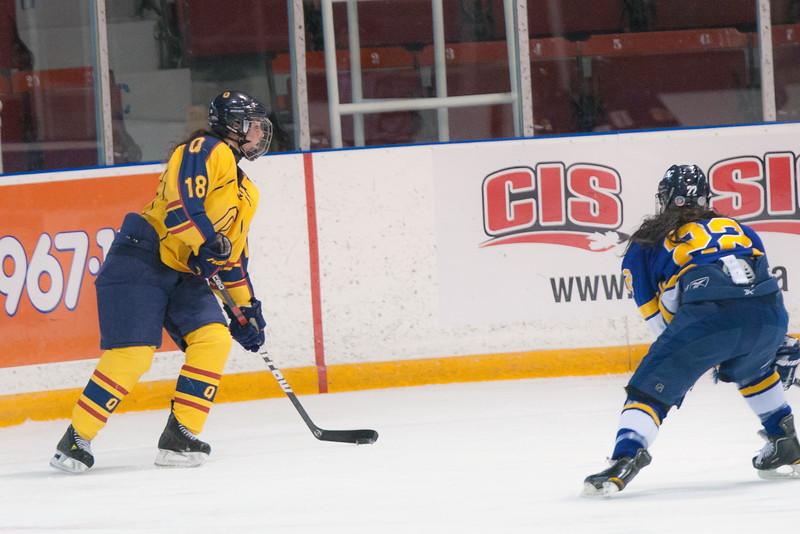 20130310 QWHockeyvsUBC 226.jpg