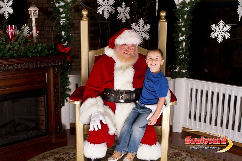 Santa Dec 15-310.jpg