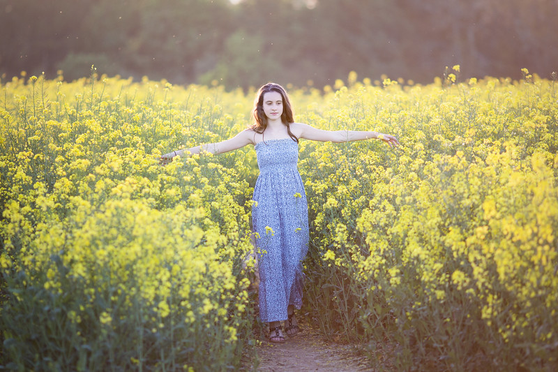 2018 - Ella in the oilseed 004